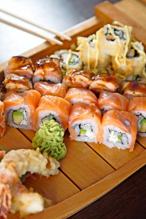 sushi-dishes-coral-asia